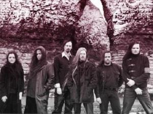 09. My Dying Bride - Eine der beständigsten Bands. Auch heute noch Gothic / Doom Referenz. Mit der Geige als melodieführendes Instrument hatte man zudem ein interessantes Alleinstellungsmerkmal anzubieten.